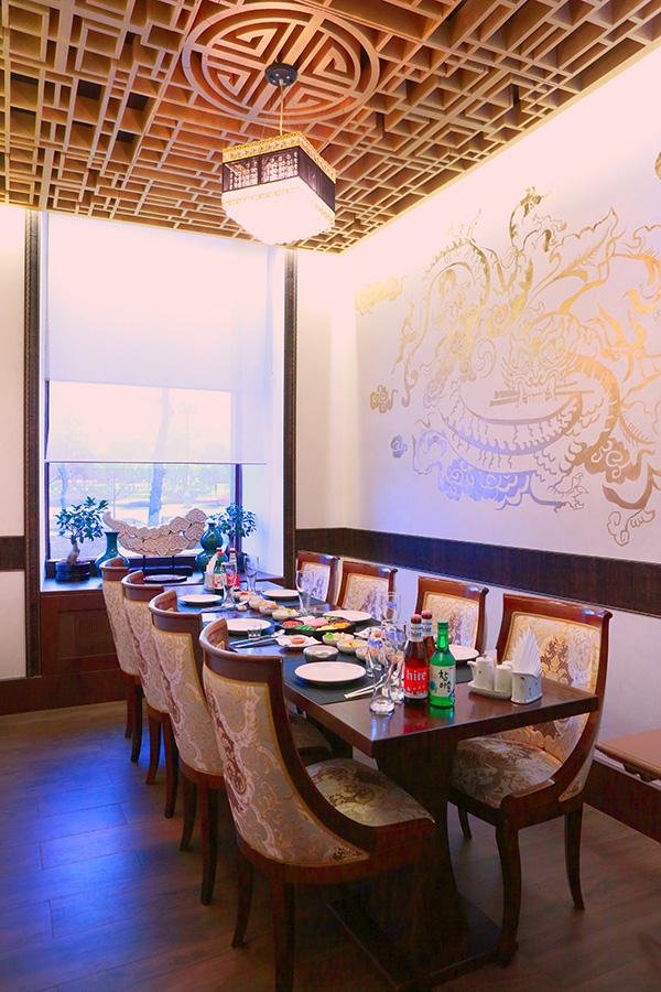 VIP зал для встреч в ресторане Белый журавль в центре Москвы, доставка еды в офис и дом