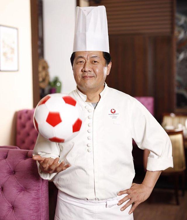 Шеф повар корейского ресторана Белый журавль мистер Сео. Мастер корейской кухни.