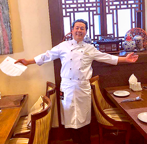 шеф повар ресторана Белый Журавль - мистер Сео